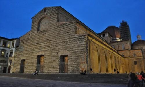 WłOCHY / Toskania / Florencja / Florencja. Bazylika San Lorenzo