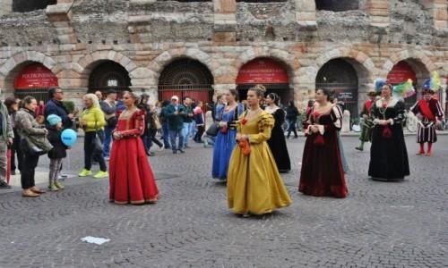 WłOCHY / Veneto / Werona / Werona, festyn w stylu włoskim