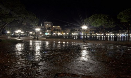 Zdjęcie WłOCHY / Liguria / Rapallo / Rapallo nocą