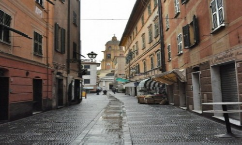 Zdjęcie WłOCHY / Liguria / Rapallo / Rapallo, uliczka