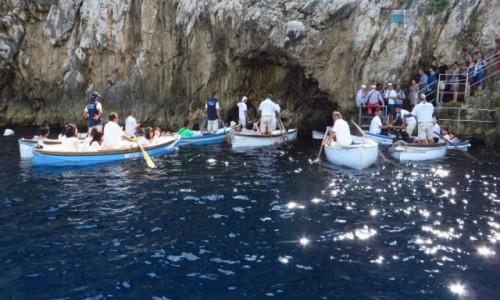 Zdjęcie WłOCHY / Kampania / Capri / wejście do Groty Lazurowej