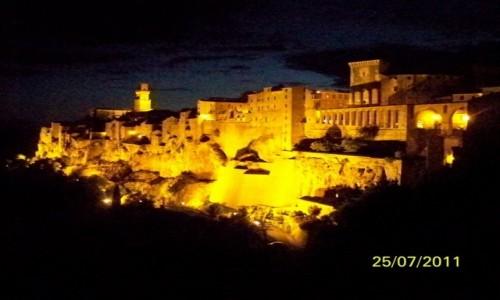 Zdjęcie WłOCHY / - / Pitigliano / Pitigliano w nocy