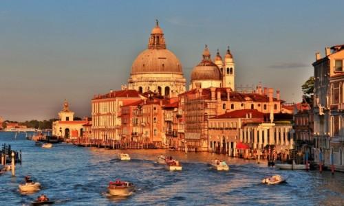 Zdjęcie WłOCHY / Wenecja Euganejska / Wenecja / Wenecja - Santa Maria della Salute o zachodzie słońca