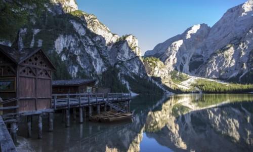 Zdjecie WłOCHY / Dolomity / jezioro Braies / jezioro Braies i szczyt Croda del Becco