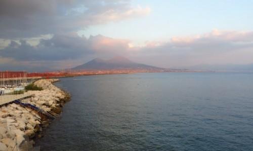 Zdjęcie WłOCHY / Kampania / Neapol / Wezuwiusz o zachodzie Słońca