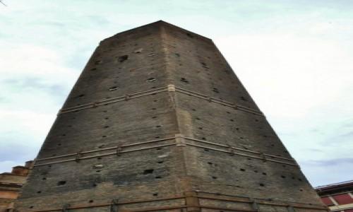 Zdjęcie WłOCHY / Emilia-Romania / Bolonia / Bolonia, wieża mieszczańska
