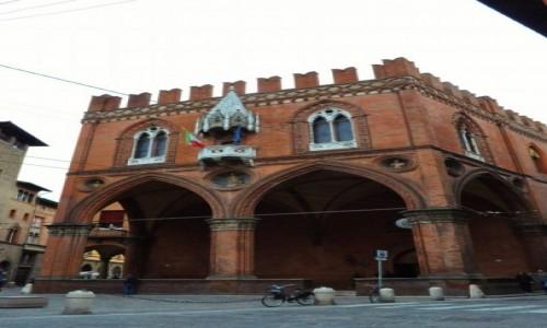 Zdjęcie WłOCHY / Emilia-Romania / Bolonia / Bolonia, budynek gotycki