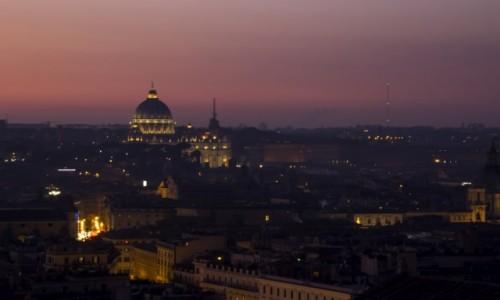 WłOCHY / Lazio / Rzym / zachód słońca nad Watykanem