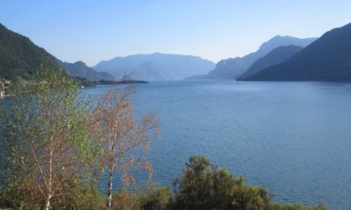 Zdjecie WłOCHY / Lombardia / Lago di Como / nad jeziorem...