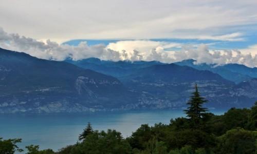 Zdjecie WłOCHY / pólnocne Włochy / Garda / Chmury nad Jeziorem Garda