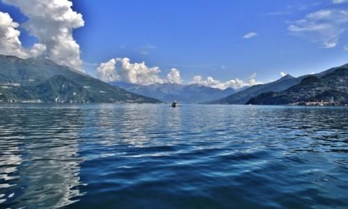 Zdjecie WłOCHY / Lombardia / Jezioro Como / Chmury nad Como