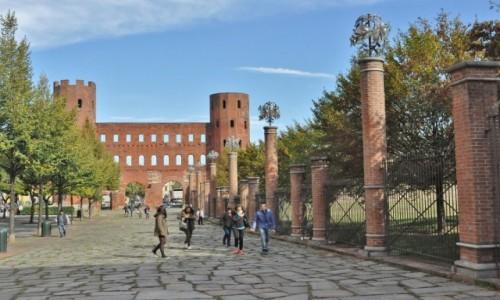 Zdjęcie WłOCHY / Piemont / Turyn / Turyn, brama rzymska