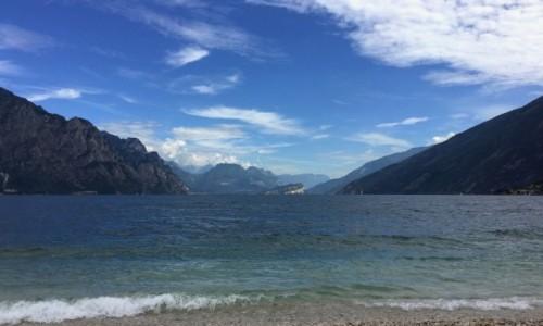 WłOCHY / pólnocne Włochy / w połowie drogi między Wenecją a Mediolanem / Lago di Garda...