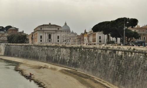 Zdjęcie WłOCHY / Lazio / Rzym / Rzym, nad Tybrem