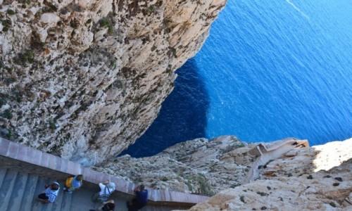 Zdjecie WłOCHY / Sardynia / Sardynia / Schody do groty Neptuna