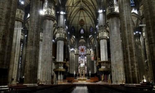 Zdjecie WłOCHY / Lombardia  / Milan / Katedra Narodzenia NMP - nawa główna