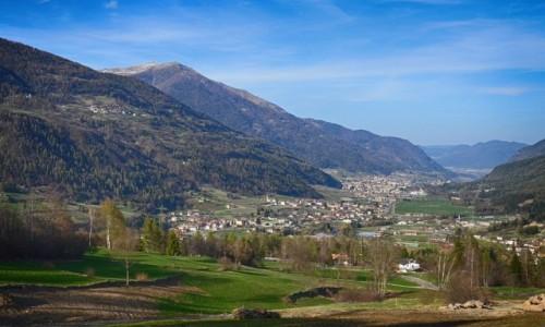 WłOCHY / Trydent / Dimaro / w dolinie...
