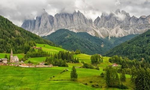 Zdjecie WłOCHY / Dolomity / Santa Maddalena / Geislerspitzen