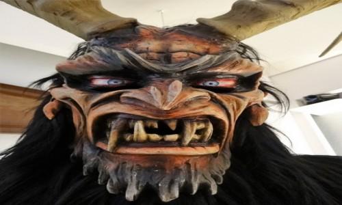 Zdjecie WłOCHY / Sardynia / Museo delle Maschere Mediterranee / Maska z muzeum masek w Mamoiadzie