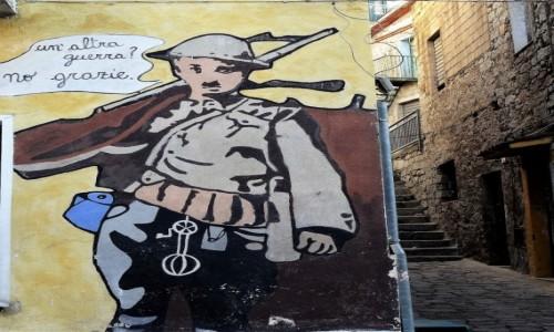 Zdjęcie WłOCHY / Sardynia / Orgosolo / Historia świata  na muralach w Orgosolo - Kolejna wojna? nie, dziękuję