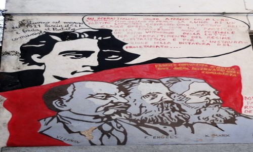 Zdjęcie WłOCHY / Sardynia / Orgosolo / Historia świata  na muralach w Orgosolo - komunizm