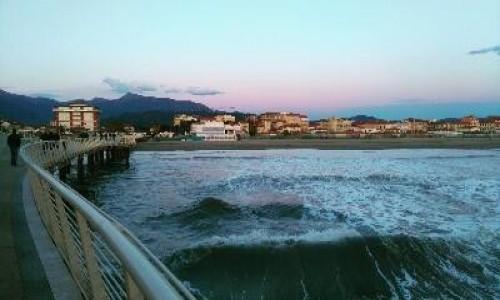 Zdjecie WłOCHY / Toscana / Lido di Camaiore  / molo
