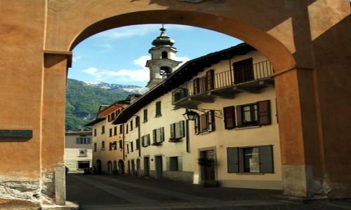 Zdjęcie WłOCHY / Lombardia / Chiavenna / Brama