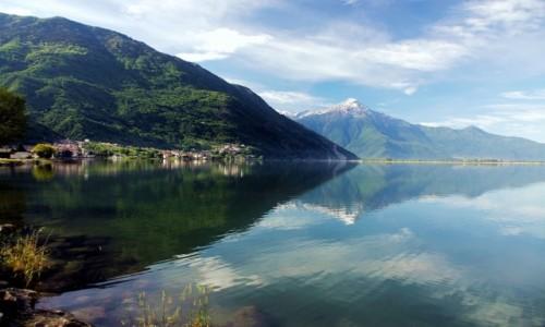 Zdjęcie WłOCHY / Lombardia / Novate Mezzola / W lustrze wody
