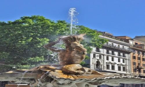 Zdjęcie WłOCHY / Lazio / Rzym / Rzym, fontanna Trytona