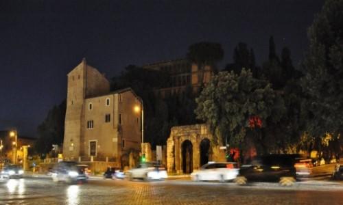 WłOCHY / Lazio / Rzym / Rzym nocą.
