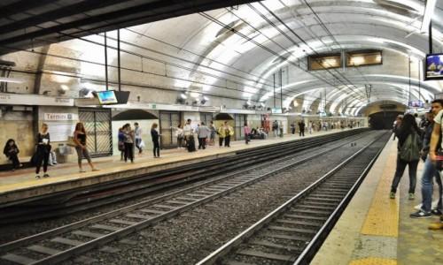 Zdjęcie WłOCHY / Lazio / Rzym / Rzym, metro