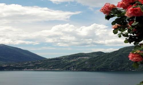 Zdjęcie WłOCHY / Lombardia / Bellano / Taras z widokiem