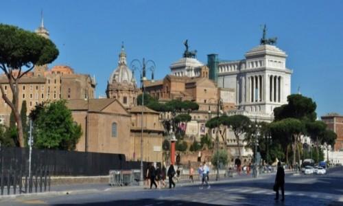 Zdjęcie WłOCHY / Lazio / Rzym / Rzym,  powitanie miasta