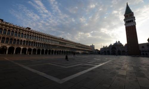 Zdjęcie WłOCHY / - / Wenecja / Wenecja Plac Św Marka o wschodzie
