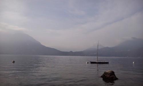 Zdjecie WłOCHY / - / Jezioro Como / woda i góry <3 najlepiej!