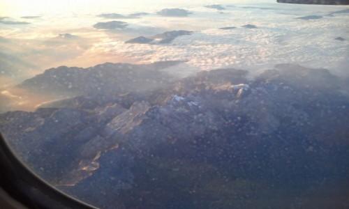 WłOCHY / - / mountain no name / W samolocie do Włoch. Nie bijcie - ale nie pamiętam jakie to góry.