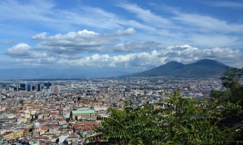 WłOCHY / Kampania / Neapol / Widok na Neapol