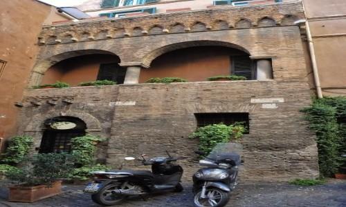 Zdjęcie WłOCHY / Lazio / Rzym / Zatybrze, średniowieczny dom