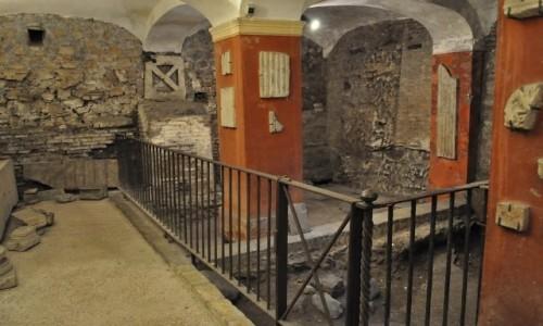 WłOCHY / Lazio / Rzym / Zatybrze, bazylika św. Cecylii, podziemia