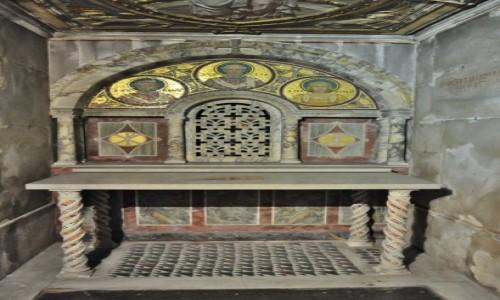 Zdjęcie WłOCHY / Lazio / Rzym / Zatybrze, bazylika św. Cecylii, podziemia