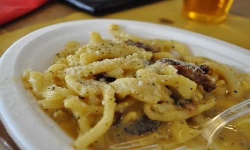 Zdjecie WłOCHY / Lazio / Rzym / Zatybrze, barek z ręcznie robionym makaronem