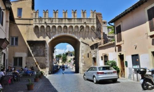 Zdjęcie WłOCHY / Lazio / Rzym / Zatybrze, zakamarki