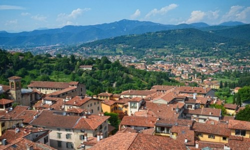 WłOCHY / Lombardia / Bergamo/Citta Alta / nad dachami