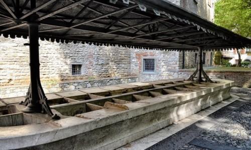 Zdjecie WłOCHY / Lombardia / Bergamo/Citta Alta / pralnia, czyli