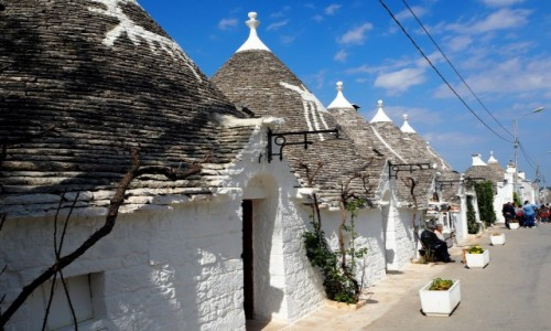 Zdjęcie WłOCHY / Apulia / Alberobello / Uliczka