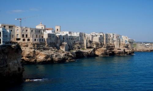 Zdjęcie WłOCHY / Apulia / Poligione di Mare / Domy na klifie