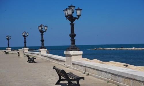 WłOCHY / Apulia / Bari / Promenada