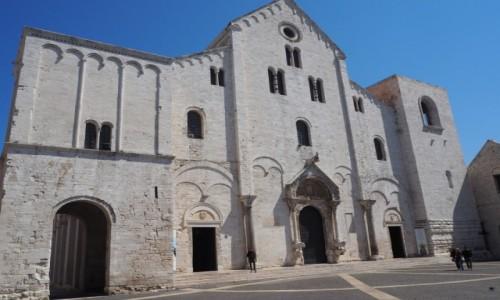 Zdjecie WłOCHY / Apulia / Bari,  piazza S.Nicola / Bazylika św. Mikołaja