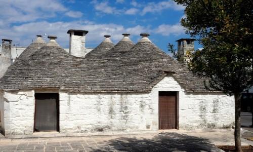 WłOCHY / Apulia / Alberobello / Trulli