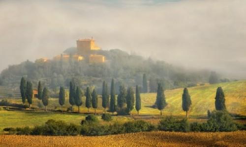 Zdjęcie WłOCHY / Toskania / okolice Pienzy / We mgle